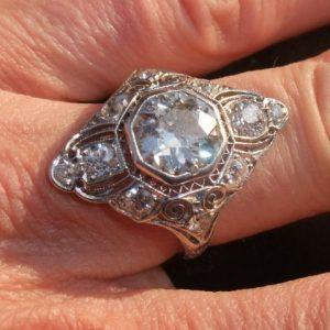Outstanding 3.50ct art deco platinum ring