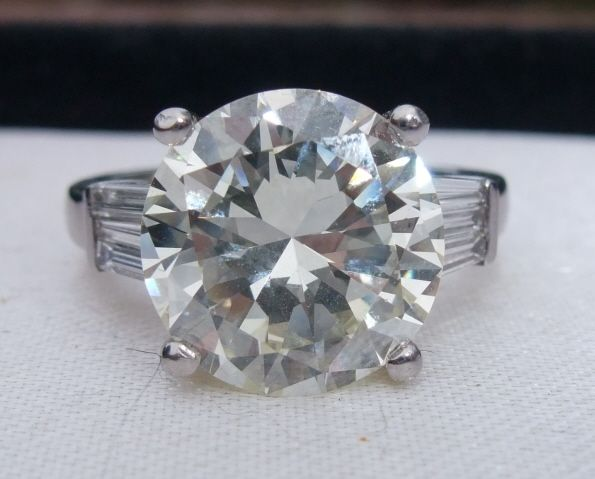 Beautiful old cut diamond ring