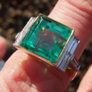 Superb and rare 4.5ct natural emerald ring