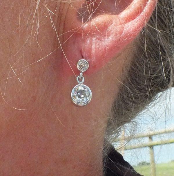 Stunning antique diamond earring